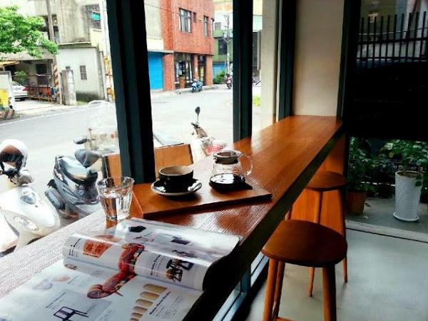 轉角處遇見自家烘焙咖啡~Table 2 Coffee Roaster