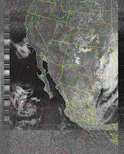 Photo: NOAA 19 northbound 34W at 30 Sep 2012 20:20:02 GMT on 137.10MHz, contrast enhancement, Normal projection, Channel A: 2 (near infrared), Channel B: 4 (thermal infrared)