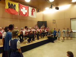 Photo: Alle Beteiligten spielen gemeinsam  s'Oergelihuus