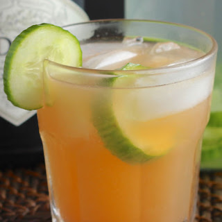 Cucumber Infused Gin & Grapefruit Spritzer