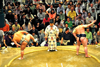 Photo: Chiri-o-kiru - part of the ceremony before the match.