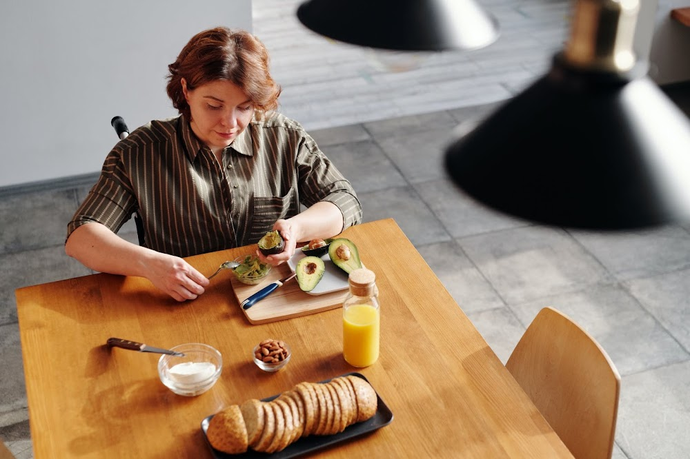 morning-routine-tips_mindful_breakfast