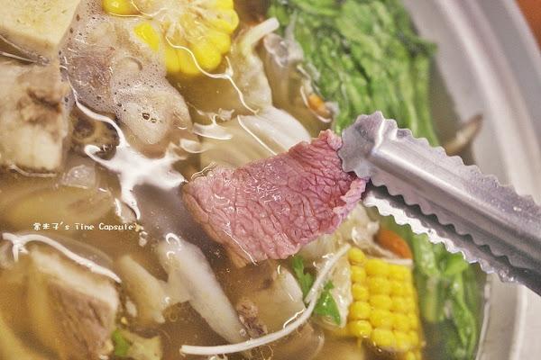 友雞羊甕仔雞羊肉爐-清香無羶腥味的藥膳羊肉爐,現涮溫體羊肉好嫩甜+每天現烤甕仔雞~