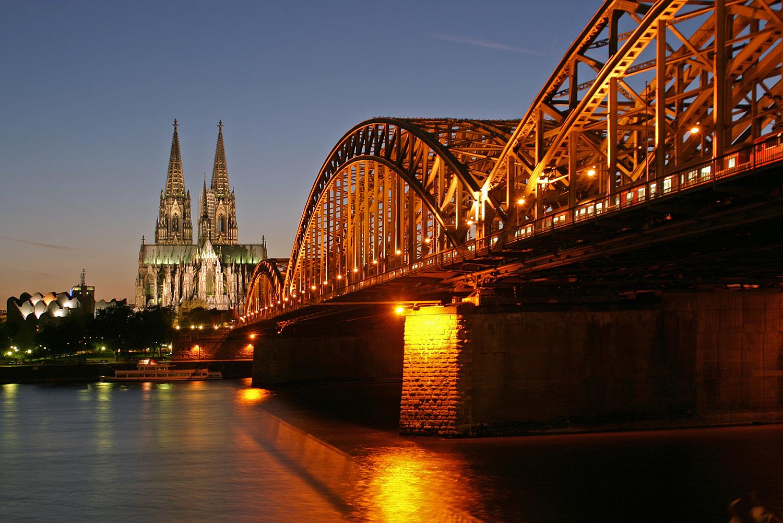 Koeln_Hohenzollernbruecke.jpg
