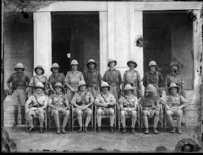 Photo: J.K. Bruce Vanderpuije (Ghana), Gold Coast Regiment Officer's mess in Accra, Mess des officiers du régiment de la Gold Coast (1930-1940) © J.K. Bruce Vanderpuije
