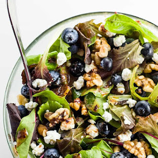 Spring Mix Salad with Blueberries, Goat Cheese and Walnuts (Low Carb, Gluten-free).