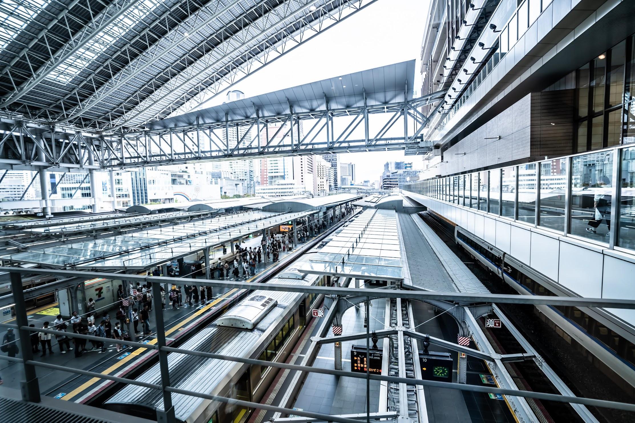Osaka Station City connecting bridge3
