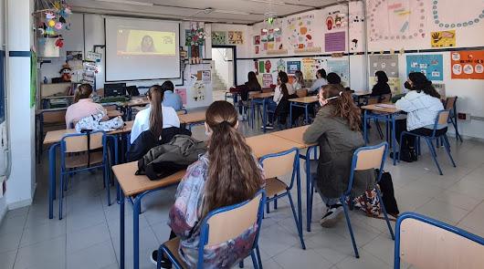 El alumnado de los IES de Adra reciben la charla 'Libres de #postureo'