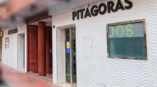 Fachada de la Academia Pitágoras.