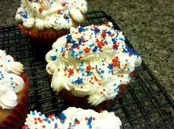 Patriotic Lemon Blueberry Cupcakes With Vanilla-le Recipe