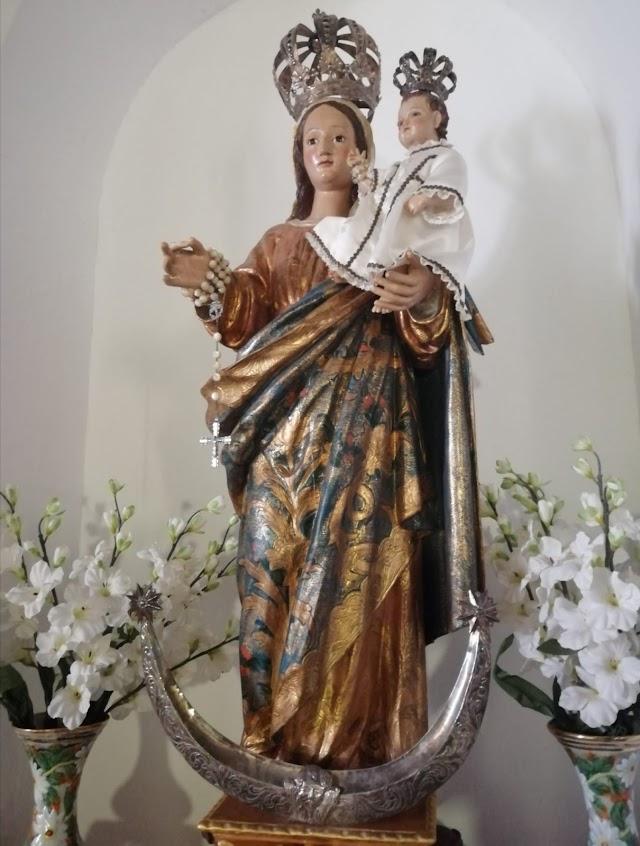 Talla de la Virgen del Rosario (Foto: Beatriz Amate Carretero).