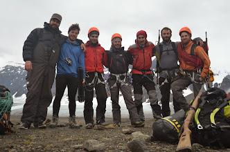 Photo: L'équipe au complet, pour le dernier jour d'alpi sur l'ile, juste avant le départ au Monacofjellet et à l'Arête Rama