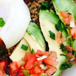Easy Avocado Egg Quinoa Breakfast Bowl.