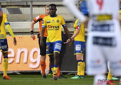 Victorien Angban twee wedstrijden geschorst na rode kaart tegen KV Kortrijk