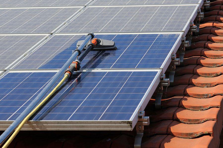 Reinigen van zonnepanelen
