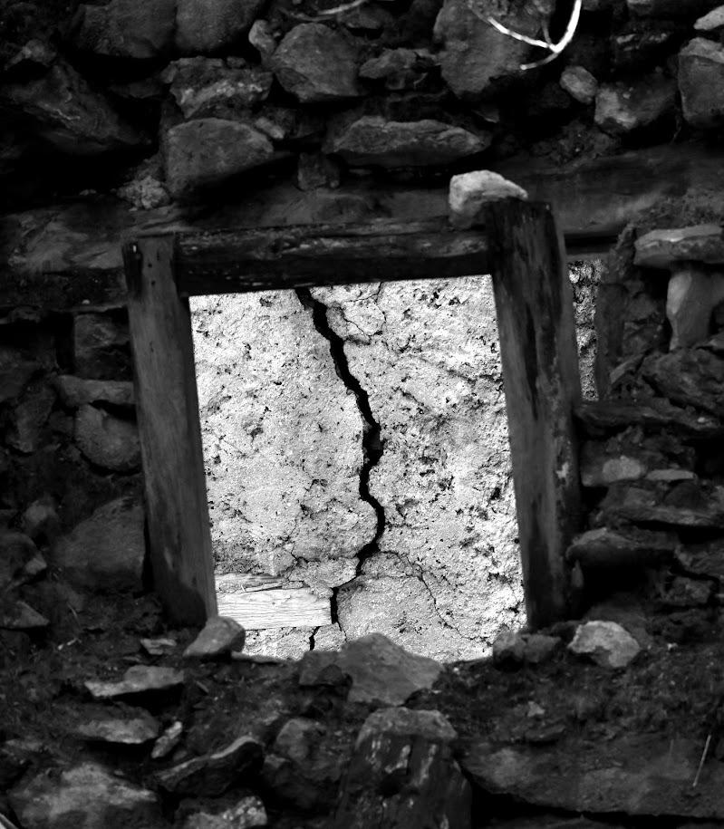 La crepa oltre il muro. di gigidueelle