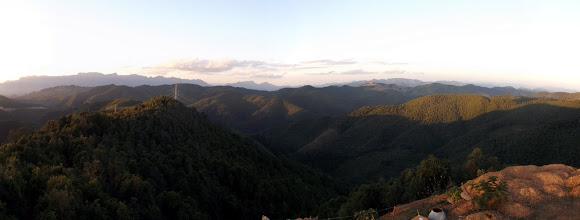 """Photo: Traumhafte Aussicht im Dorf """"Kilomter 50"""" auf die umliegenden Berge"""