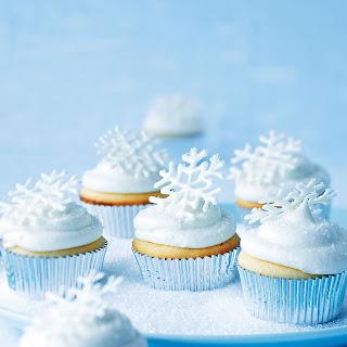 Cranberry Cream Snowflake Cupcakes.