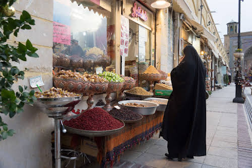 Things to Do in Iran Travel Guide Itinerary // Traditional spices and nuts