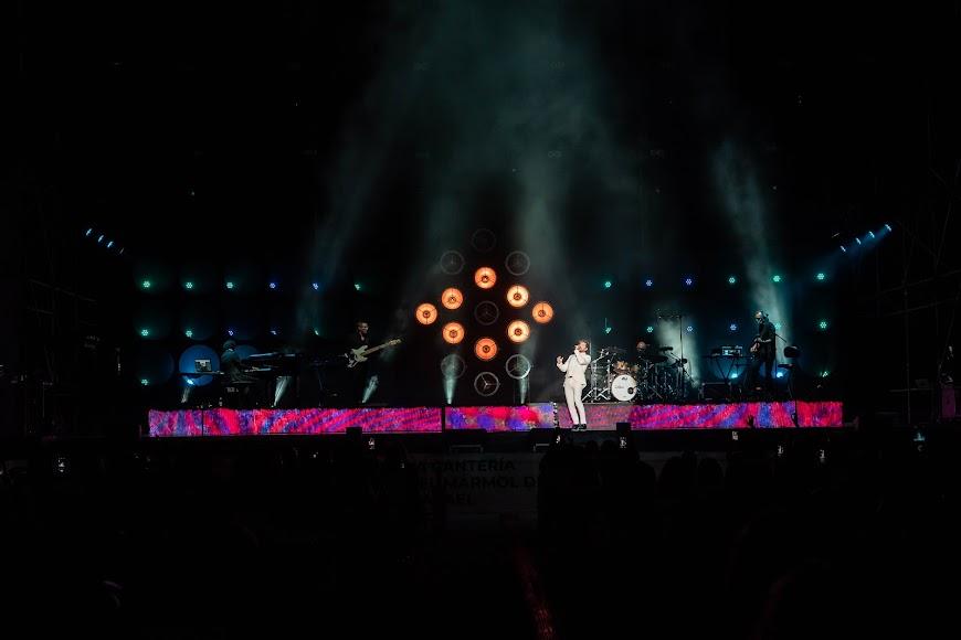 Rumbas y baladas que tuvieron al público emocionado todo el concierto