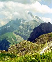 Photo: Col de Bostan an der Grenze Frankreich zur Schweiz - Blick in die Schweiz - Weitere Infos zu Touren in Savoyen:  http://pagewizz.com/liste-wanderungen-und-ausfluege-in-hochsavoyen-frankreich/