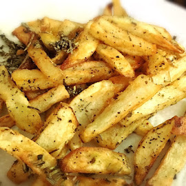 Herb-flavored French fries by Divineholic  . - Food & Drink Cooking & Baking ( food )