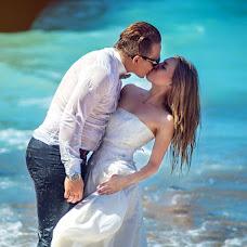 Wedding photographer Polina Polis (POLINAPOLIS). Photo of 12.10.2015
