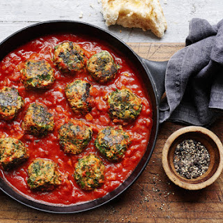 Turkey And Kale Meatballs With Zesty Tomato Sauce.