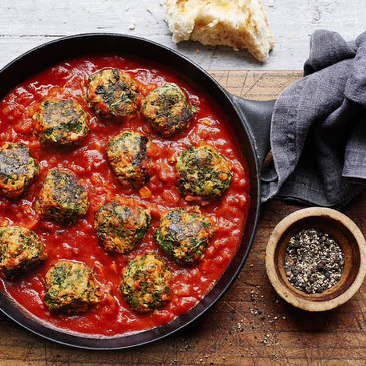 Turkey And Kale Meatballs With Zesty Tomato Sauce