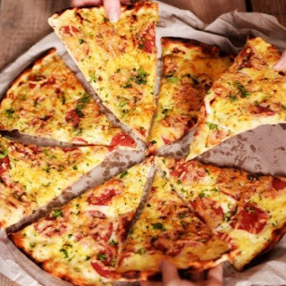 Lose Weight. Delicious chicken pizza without dough.