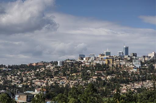Rwanda temporarily re-opens border with Uganda after blocking trucks in February