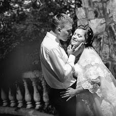 Wedding photographer Vladimir Krasnopoyasovskiy (LunyDunce). Photo of 12.10.2013