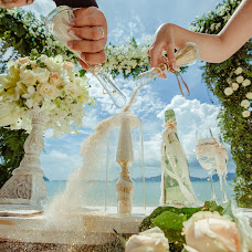 Wedding photographer Alesya Popova (intropics). Photo of 16.12.2015