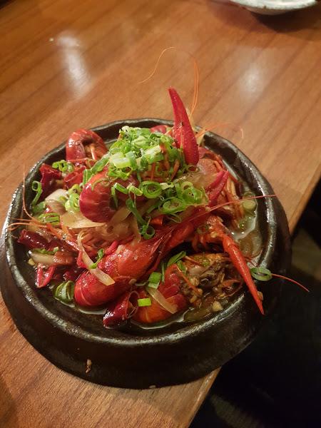 麻辣龍蝦非常適合下酒,氣氛也不錯