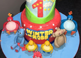 Twirly woos and in the night garden cake