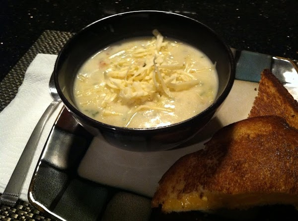 LADLE INTO BOWL N TOP WITH SHREDD CHEESE, IF DESIRED....ENJOY :)
