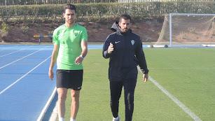 Juan Ibiza con Eduardo Frapolli, preparador físico y readaptador.