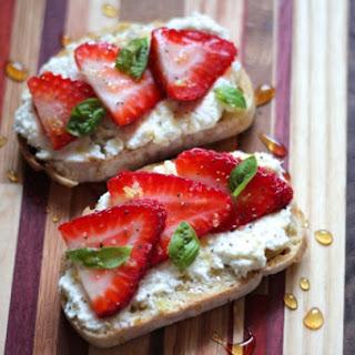 Ricotta Toasts with Strawberries, Basil & Honey