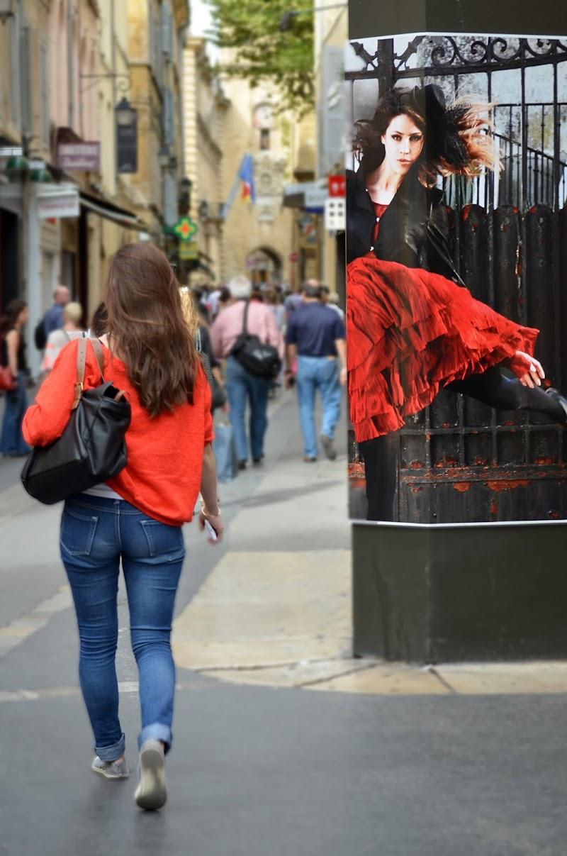 donne in rosso di Elisabetta Castellano