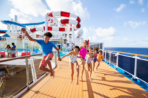 CCL_Horizon_Waterworks_kids.jpg -      Kids will love the splish and splash of the Waterworks on the Lido deck of Carnival Horizon.
