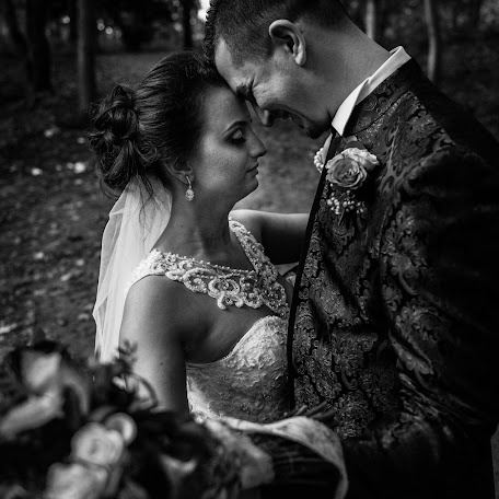 Wedding photographer Romeo Barsan (RomeoBarsan). Photo of 14.12.2017