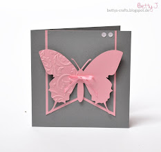 Photo: http://bettys-crafts.blogspot.com/2014/01/hochzeitsserie-mit-schmetterling-in.html