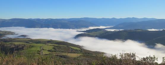 Photo: Un Mar de nubes cubriendo el fondo del valle