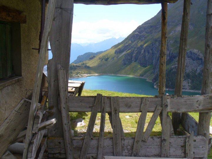 Una finestra sul lago di Cignana di daphne