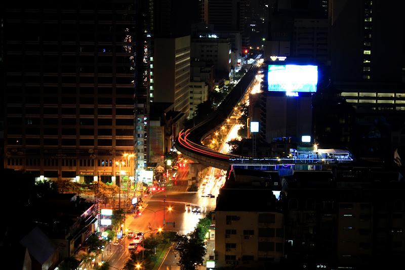 Skytrain by night di deejayfra