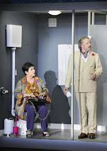 Photo: Wien/ AKADEMIETHEATER: BELLA FIGURA von Yasmin Reza. Inszenierung: Dieter Giesing. Premiere: 3. 4.2016. Kirsten Dene, Roland Koch. Copyright: Barbara Zeininger