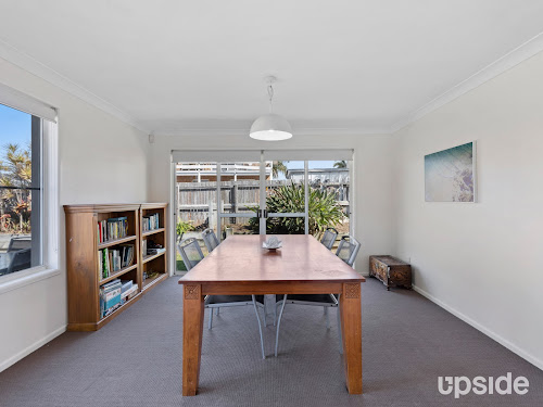 Photo of property at 15 Putter Place, Arundel 4214