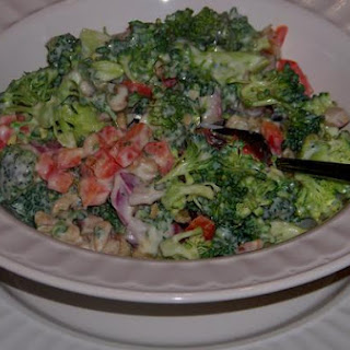 Crunchy and Colorful Broccoli and Bell Pepper Salad