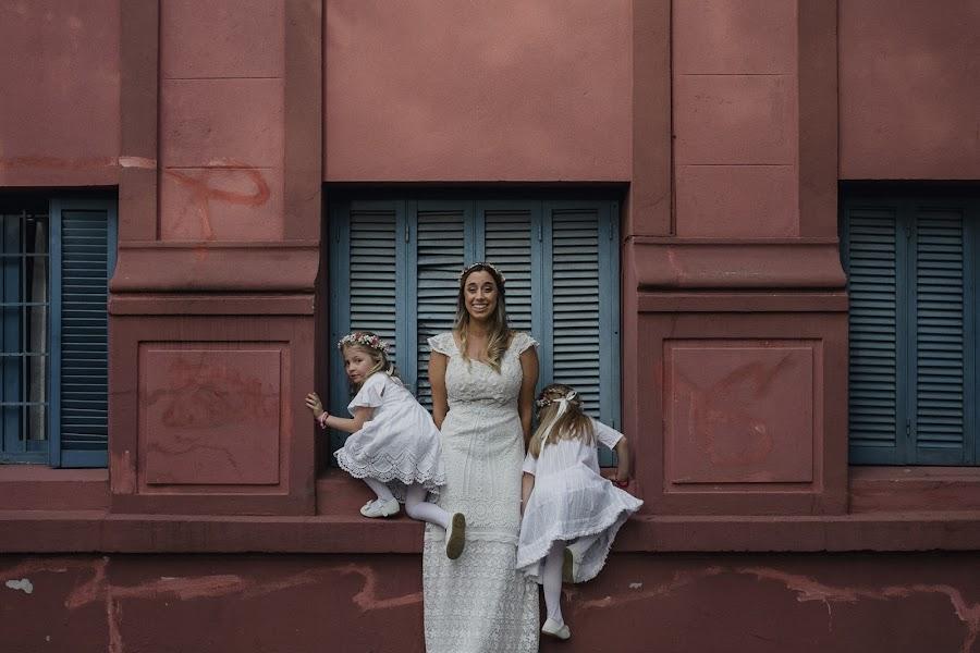 Wedding photographer Mika Alvarez (mikaalvarez). Photo of 10.04.2018