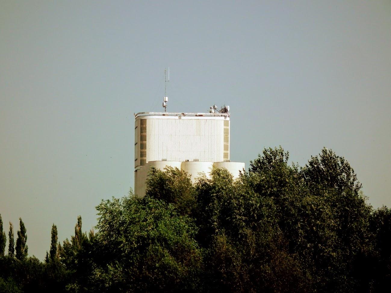 Mátészalka/gabonatároló - helyi URH-FM adóállomás